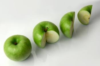 Apple Seeds: Nutritious or Toxic?