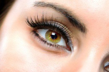 Yellow eyes?  Causes and Natural treatment